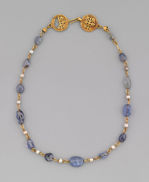 Byzantine necklace gold, set with jewels